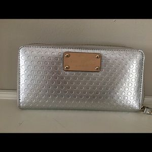 Kate Spade Yaletown Neda zip around wallet